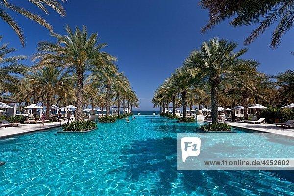 Maskat  Hauptstadt  nahe  Hotel  Palast  Schloß  Schlösser  Urlaub  schwimmen  Oman