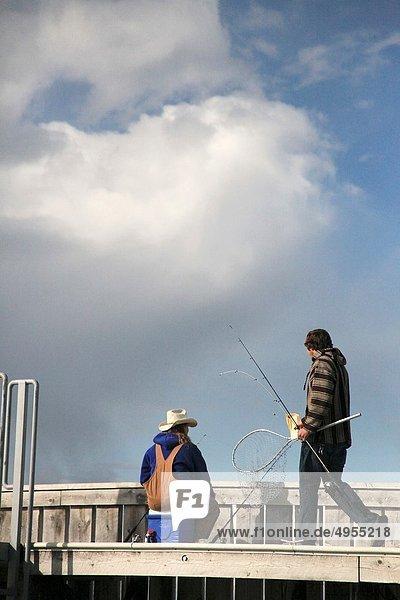 Mann  Dock  angeln  2