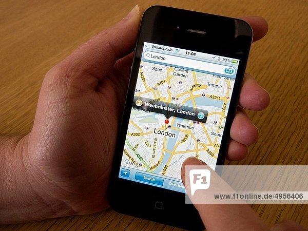 benutzen  London  Hauptstadt  Landkarte  Karte  Apfel  Navigation  Iphone  Smartphone