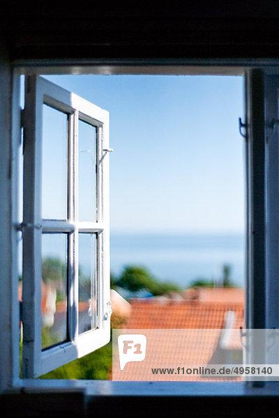 Dach Fenster Wohnhaus offen Ansicht