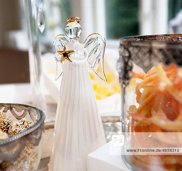 Schüssel Lebensmittel mit weihnachten weihnachtsengel  Nahaufnahme