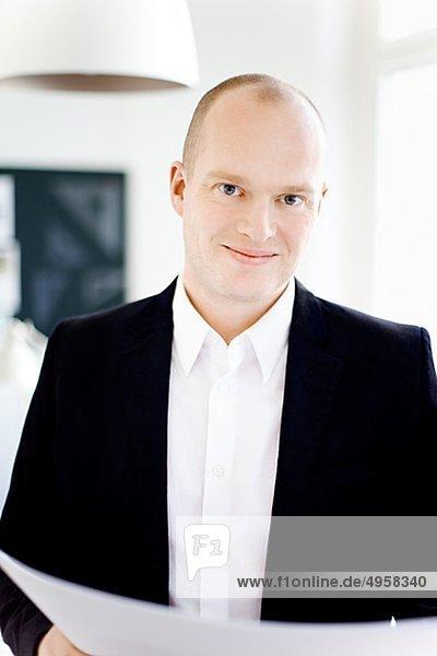 Kaufmann lächelnd  Nahaufnahme  portrait