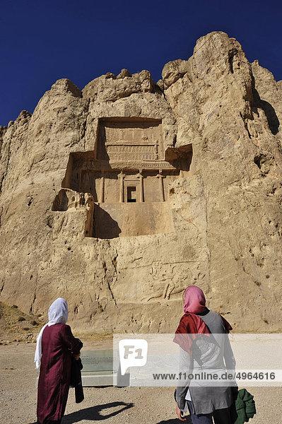 Iran  Shiraz  in der Nähe von Persepolis  komplexe Grabstein Nasqu e Rostam  wo begraben sind der persischen Könige Darius I und II  Serse und Ataserse