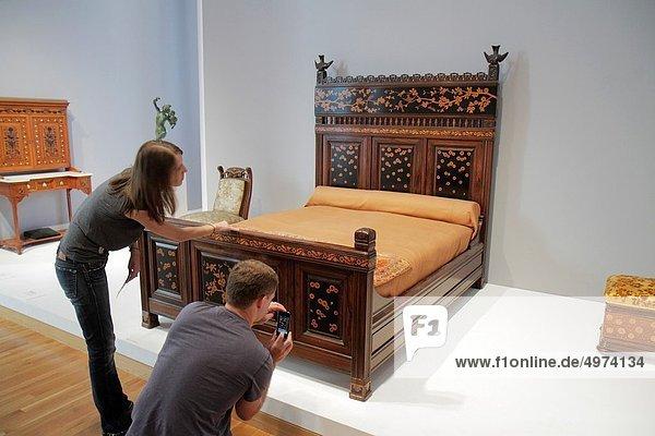 Frau  Mann  Galerie  Veranstaltung  Kunstwerk  Design  Student  fotografieren  Atlanta  Kollektion  Ausstellung  Möbel