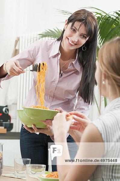 Servier Spaghetti zum Mittagessen