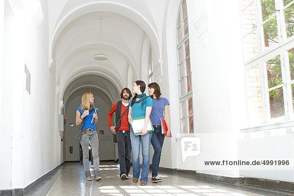 Studenten in der Uni