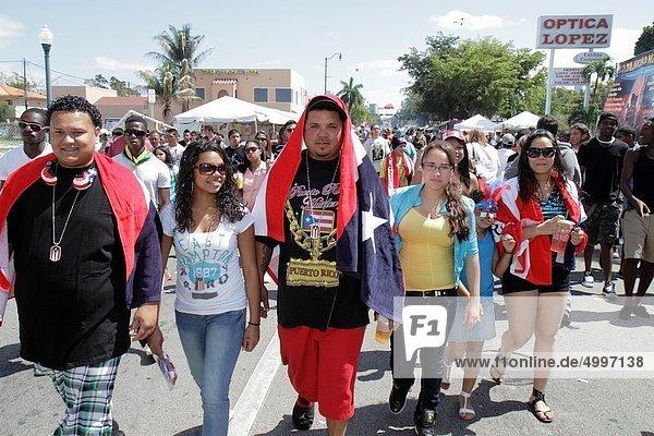 Frau  Mann  Fest  festlich  Hispanier  Nationalität  Puerto Rico  Florida  Miami