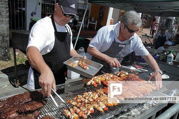 kochen  Mann  Fest  festlich  Wurst  Hispanier  Koch  Verkäufer  Florida  Fleisch  Miami