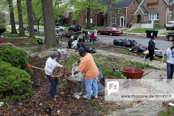 Organisation organisieren Wohnhaus sauber Großstadt Gemeinschaft Abfall Freiwilliger leer Mülldeponie Detroit Michigan