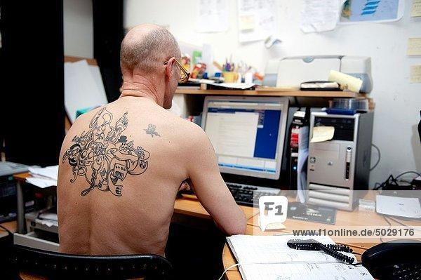 hinter , Mann , Computer , Tätowierung