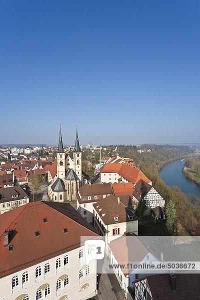 Deutschland  Baden-Württemberg  Bad Wimpfen  Blick auf die historische Altstadt mit Neckarfluss