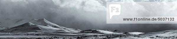 Panorama von einem Clearing Sturm entlang der Dempster Highway  Yukon  Kanada