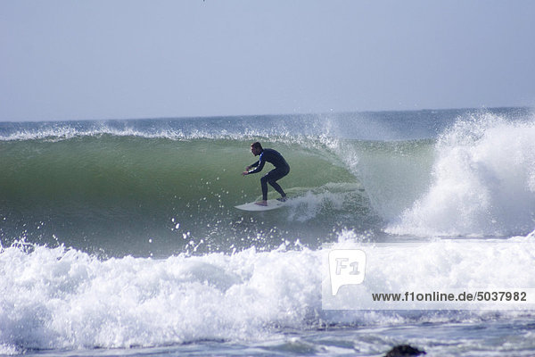 Surfen an der berühmten Supertubes Pause  Jeffreys Bay  Südafrika