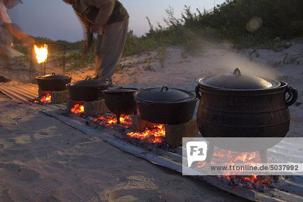 Traditionelle Potje Abendessen am Strand  Jeffreys Bay  Südafrika