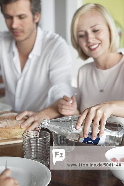 Paar mit Essen