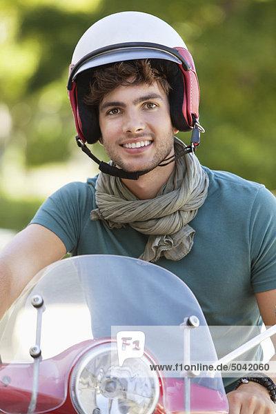 Porträt eines Rollerfahrers