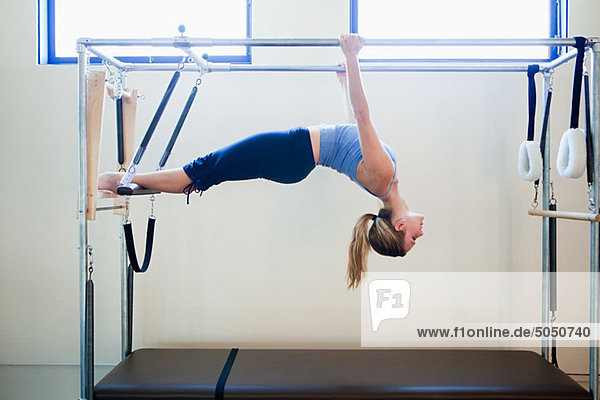Frauen  die Pilates machen