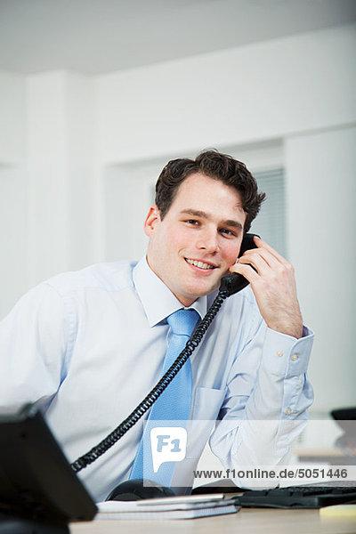 Büroangestellter auf Anruf