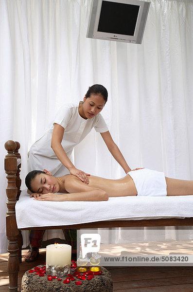 Siddha Marma Massage im Spa Aura im Park Hotel Neu-Delhi  Indien