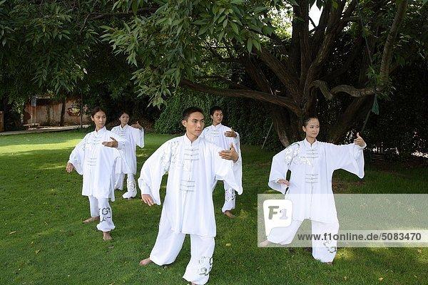 Tai Chi am See im brillante Resort and Spa in Kunming  Yunnan Province  China