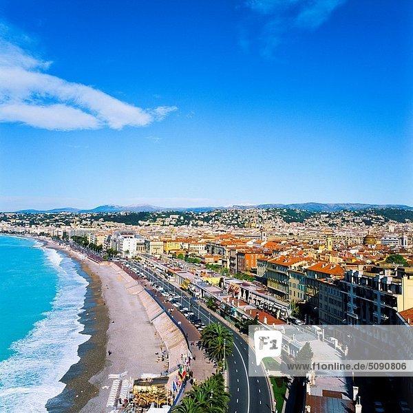 ´Baie des Anges´ bay  town skyline and Mediterranean sea  Nice  Cöte d´Azur  France