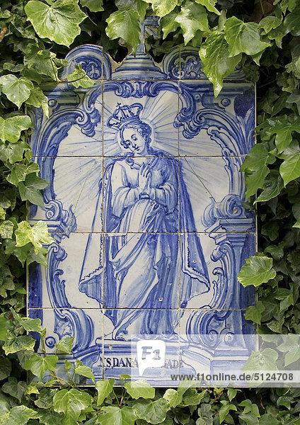 Portugal  Jungfrau Maria auf traditionellen Fliesen