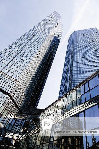 Europa  Deutschland  Frankfurt  Blick auf die Deutsche Bank mit Wolkenkratzer
