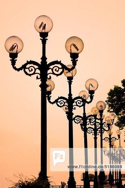 Kiew  Hauptstadt  Nacht  Laterne - Beleuchtungskörper  Ukraine