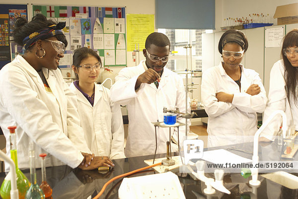 Laborant  arbeiten  Wissenschaftler