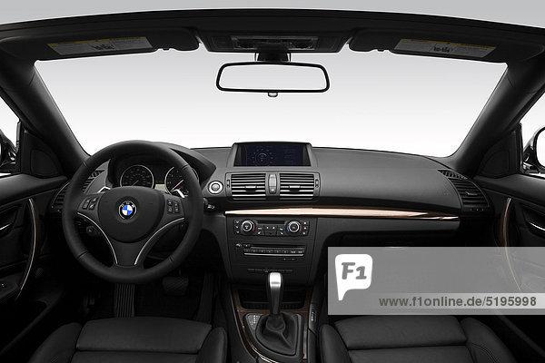 2012 BMW 1er 128i in weiß - Dashboard  Mittelkonsole  gear Shifter-Ansicht