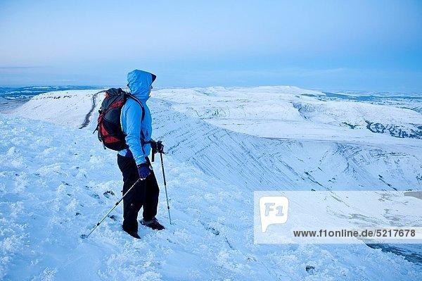 Stift  Stifte  Schreibstift  Schreibstifte  Winter  Berggipfel  Gipfel  Spitze  Spitzen  wandern  Brecon Beacons National Park  Wales