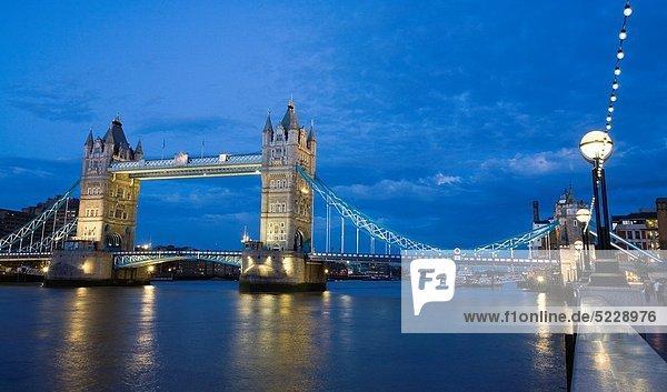 Themse  Tower Bridge  London  England  Großbritannien  Europa.