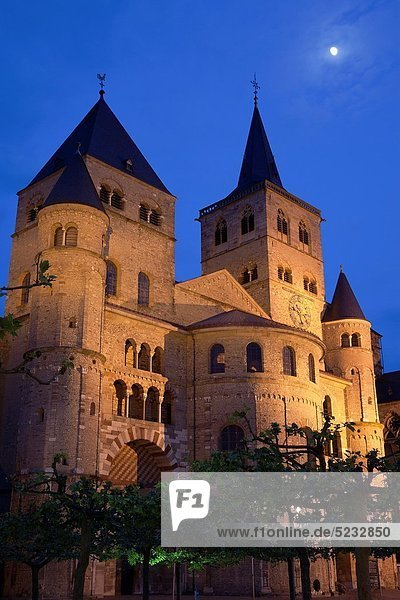 Cathedral of Trier  World Heritage Site  illuminated at night  Trier  Germany