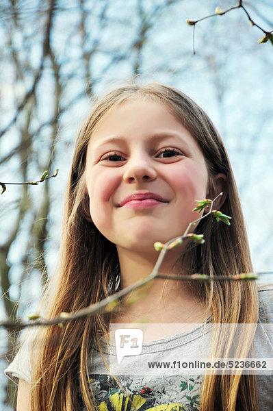 Außenaufnahme  lächeln  Mädchen  freie Natur
