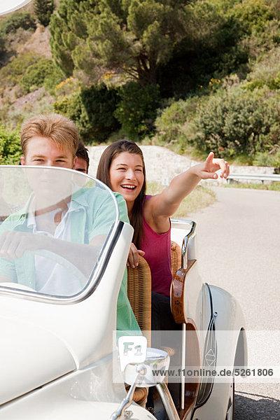Jugendlichen Cabrio-Steuerwagen