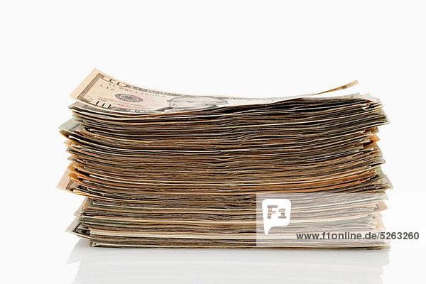 Stapel von Dollar-Banknoten