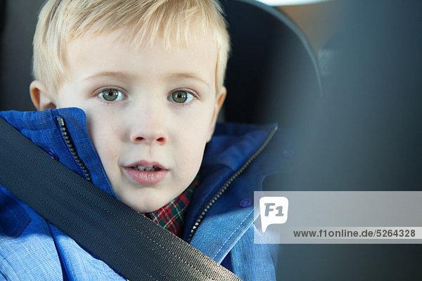 Anschnallgurt Gurt Junge - Person Auto jung Kleidung