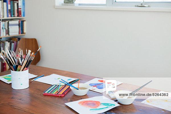 Gemälde Bild Pinsel Kind Tisch