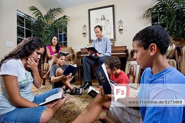 Interior  zu Hause  Buch  Wald  See  Taschenbuch  Studium