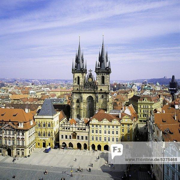 Prag  Hauptstadt  Stadt  Kirche  Quadrat  Quadrate  quadratisch  quadratisches  quadratischer  Tschechische Republik  Tschechien  Tyn  alt