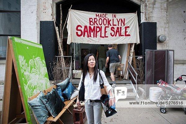 Produktion  Kunst  Besuch  Treffen  trifft  Ware  Gast  verkaufen  Festival  Brooklyn  neu