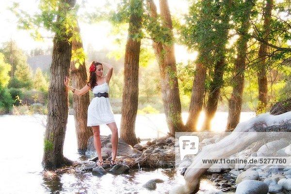 Vereinigte Staaten von Amerika  USA  Außenaufnahme  Europäer  Frau  Schönheit  jung  freie Natur