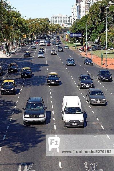Buenos Aires Hauptstadt Ansicht Erhöhte Ansicht Aufsicht heben Argentinien Allee Südamerika
