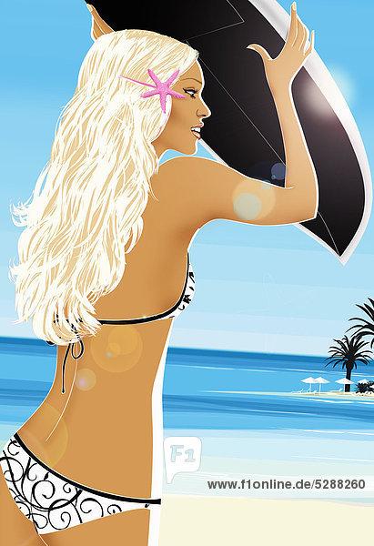 Frau im Bikini trägt ein Surfbrett am Strand Frau im Bikini trägt ein Surfbrett am Strand
