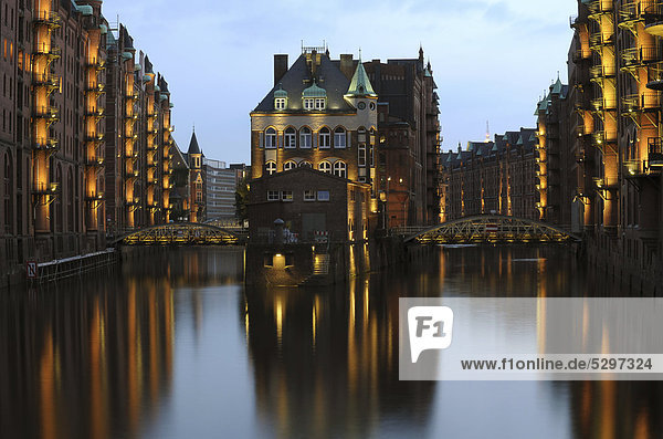 Kaffeekontor  coffee warehouse  at dusk  Speicherstadt  warehouse district  Hamburg  Germany  Europe