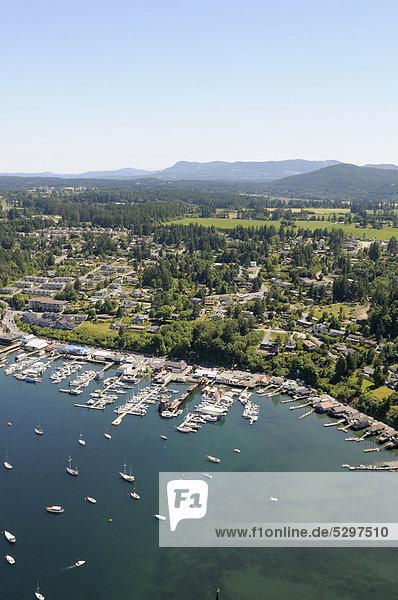 Luftaufnahme der Cowichan Bay Bucht  Vancouver Island  British Columbia  Kanada