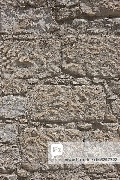 Wand mit Sandsteinen