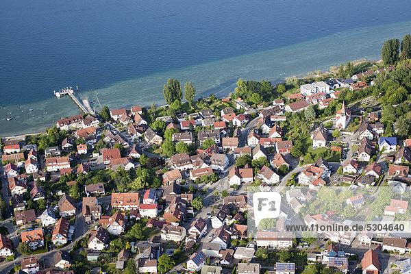 Luftaufnahme  die Bodanrück-Gemeinde Konstanz-Dingelsdorf am Bodensee  Landkreis Konstanz  Baden-Württemberg  Deutschland  Europa