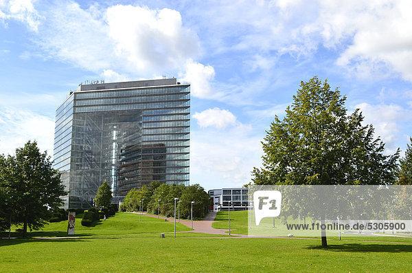 Stadttor  Medienhafen  Düsseldorf  Nordrhein-Westfalen  Deutschland  Europa