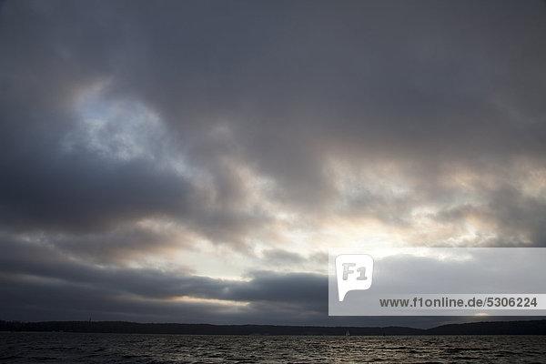 Europa Wolke Dunkelheit über Meer Baltikum Flensburg Deutschland Schleswig-Holstein